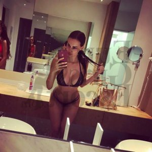 Renelle speed dating and hookup