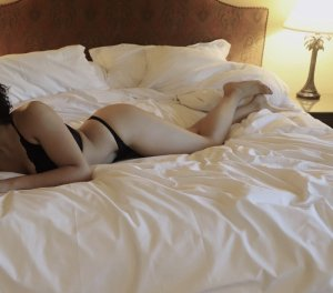 Dorka escorts services in Buffalo Grove