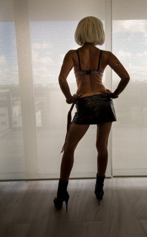 Diolinda escort girl in Chandler AZ