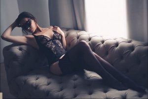 Faeza speed dating & outcall escort