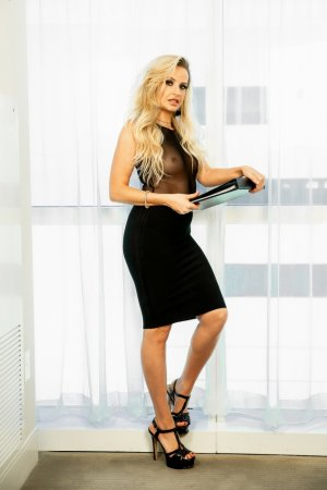 Caroline escorts in La Puente California
